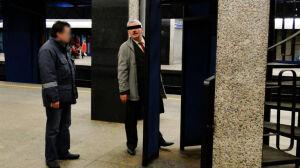 Kolejarz zwolniony za sikanie na Centralnym