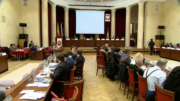 Sesja Rady Warszawy TVN24