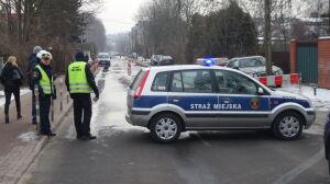 Awaria wodociągowa na Włodarzewskiej, zamknęli ulicę na cały dzień