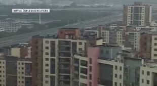 Ulice i osiedla w Wuhanie opustoszały